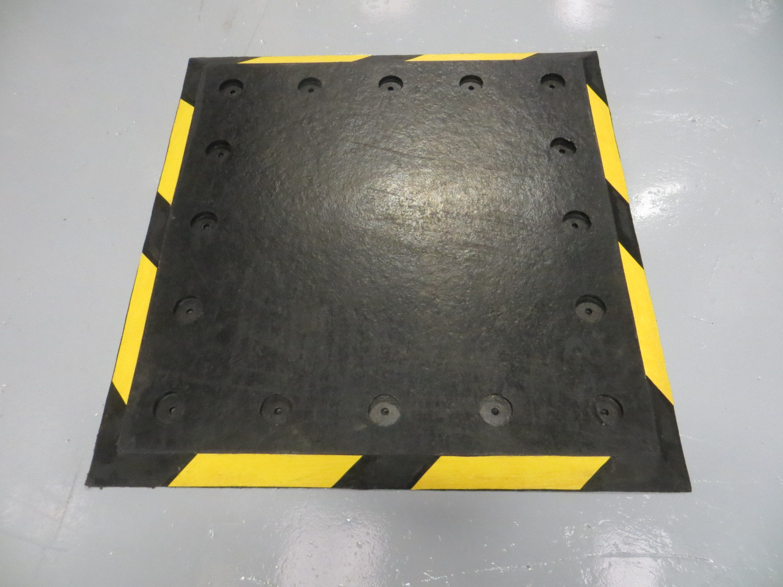 A083 Trailer Plate Loading Bay Accessory